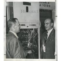 1947 Press Photo City Jail locks Stanley Johnson Police - RRX89559