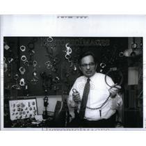 1991 Press Photo Chuck Chandler Police Swap Meet - RRX54829