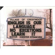 1996 Press Photo Crestwood Village Hall English Sign - RRW53087