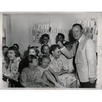 1958 Press Photo Bob Hope Fundraiser Rheumatic Fever - RRW63571