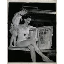 1943 Press Photo Mrs Madison Mc Iver Levy Book Helene - RRW80571