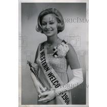 1966 Press Photo Vicki Lenz Miss Western Welcome - RRX47515