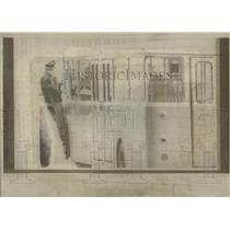 1970 Press Photo Policeman escorts Munich airline bus