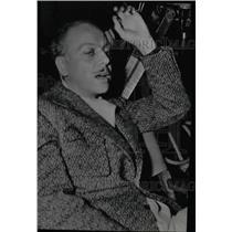 1936 Press Photo Mitchell Leisen Director - RRW99683