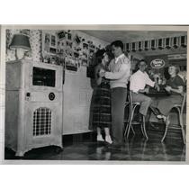 1951 Press Photo Joanne Duffy - RRY62825