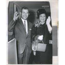 Press Photo At the O'Hare Airport Mr & Mrs Takea Azawa Consul General of Japan