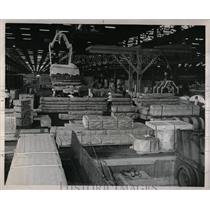 1970 Press Photo Roofing Material Peru Earthquake Aid - RRX78089