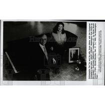 1993 Press Photo Amb Pal Tar With Wife New Piano