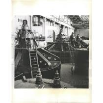 1943 Press Photo Hydro-electric generators in Canada. - RRX88827