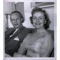 1958 Press Photo MC Stephen Nichols - RRX47395