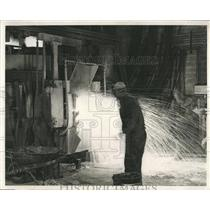 1959 Press Photo Steel Plant Worker Watching Production - RRX85649