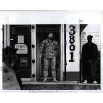 1991 Press Photo Butch Kashat store owner pickets watch - RRW57745