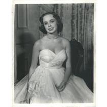 1950 Press Photo Sarah Marshall With White Gown In I Know My Love. - RSC91441
