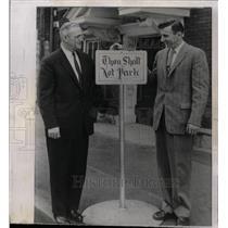 1958 Press Photo Rev Kuhnele Keith Mee No Parking sign - RRW22801