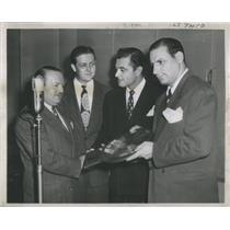 1946 Press Photo Albert P Mitnick,Eddie Hubbard, Tony Martin, Irv Kupcinet