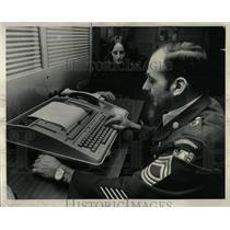 1974 Press Photo Army Jobs Computer Science Corp Goss - RRW67091