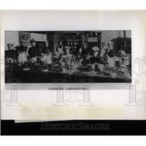 Press Photo Lewis Institute Cooking Laboratory - RRW65899
