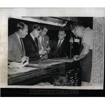 1955 Press Photo Russians Tour Cleveland News Plant