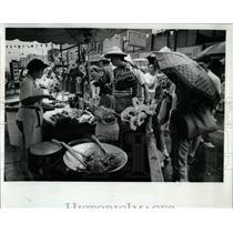 1990 Press Photo Chicago Chinatown Summer Fair Vendors - RRW56849