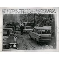 1964 Press Photo Hundreds of motorist stalled on Donne - RRW62391