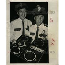 1966 Press Photo Bruce Watters Jewelers Jewel Show - RRX64671