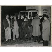 1943 Press Photo Ontario Striking Bowman Dairy Srtike - RRW60281