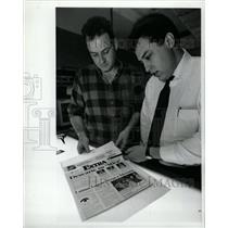 1993 Press Photo El Extra Spanish Newspaper - RRW24361