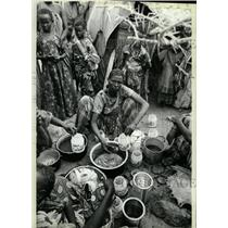 1980 Press Photo Refugees/Ethiopia/Food Rations/Poverty - RRX71805