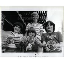 1984 Press Photo Laura Bavilacqua Julie George Lynn