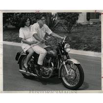 1966 Press Photo Knan Lee Roy Dayton Scoot transports