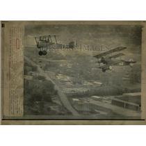 1975 Press Photo 2 World War I Aircraft - RRW56643