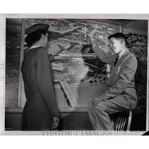 1950 Press Photo Spelling Bee Champ With Map Lambe - RRW01945