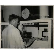 1954 Press Photo Flouride - RRW88723