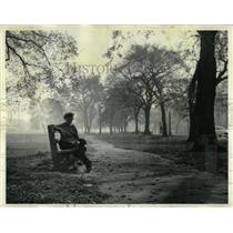 1964 Press Photo Mrs Edward Hollesen Balmy Lincoln Park - RRW88257