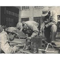 1965 Press Photo Japan technical training scientific - RRX81815