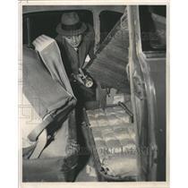 1958 Press Photo Narcotics Bureau Detective Marijuana - RRW49419