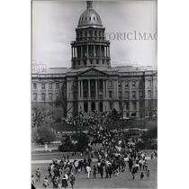 191969 Press Photo Vietnam Riots policy Denver Colo War - RRX66033