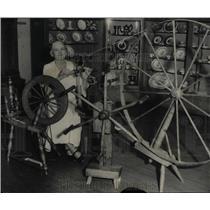 1934 Press Photo Old Spinning Wheel Denver Art Museum - RRX62115