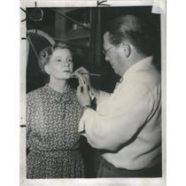1949 Press Photo Silent film star Mae Marsh - RSC90847