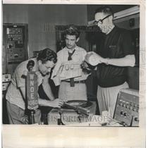 1955 Press Photo DIsk Jockey Bill Stanley Spins Record - RRW51751