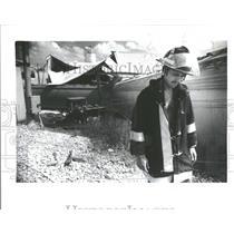 1987 Press Photo Guy Coy works train wreck