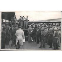 1949 Press Photo Fruit & Vegetable Growers Participate In Denargo Market Auction