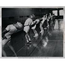 1957 Press Photo YMCA Branches Exercise life run - RRW67849