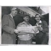 1960 Press Photo Milton Reynolds William Odom Pilot T.C. Sallee Flight Engineer