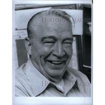 1981 Press Photo Eric Larson Animator Walt Disney - RRX37141