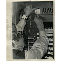 1972 Press Photo Voting Machines - RRW22997