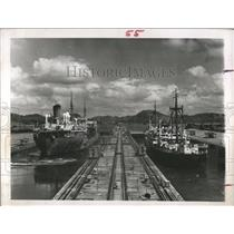 1964 Press Photo Panama Canal Source Complaints - RRX82225