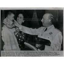 1951 Press Photo Generalissimo Franco Spain Wife - RRX24577