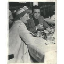 1935 Press Photo Whispers Romance Hollywood Link Lunch Nino Martini Operatic