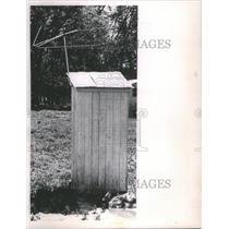 1963 Press Photo Outhouse TV Antenna Iroquois County - RRU12927